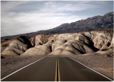 ©Eustace Desert Lines i